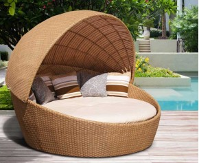Oyster Wicker Rattan Daybed with Canopy - Rattan Sun Loungers
