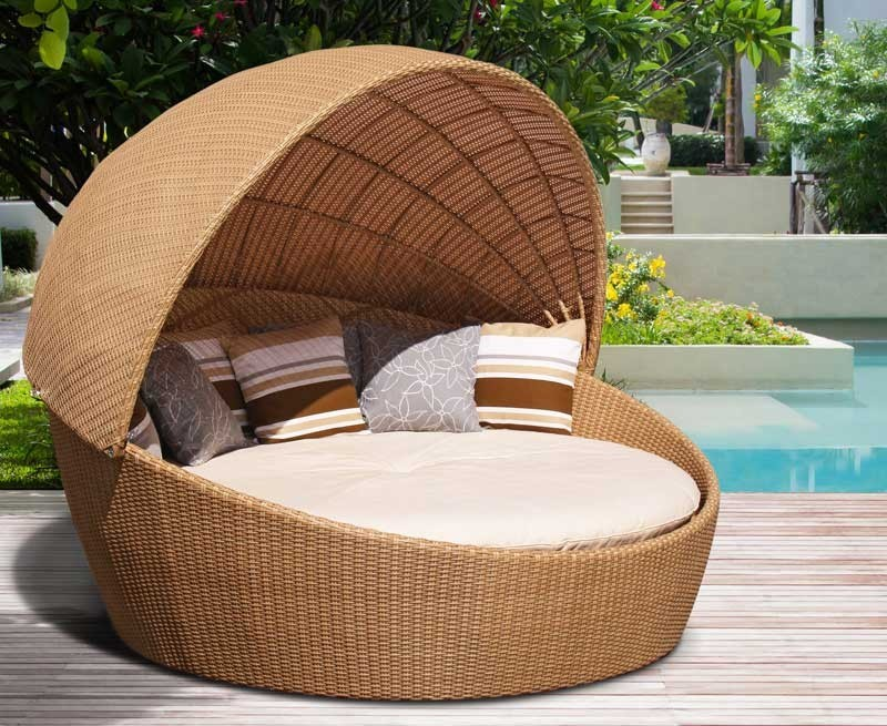 Oyster Rattan Daybed With Canopy Contemporary Synthetic Woven Garden