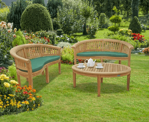 outdoor chairs set for the elderly